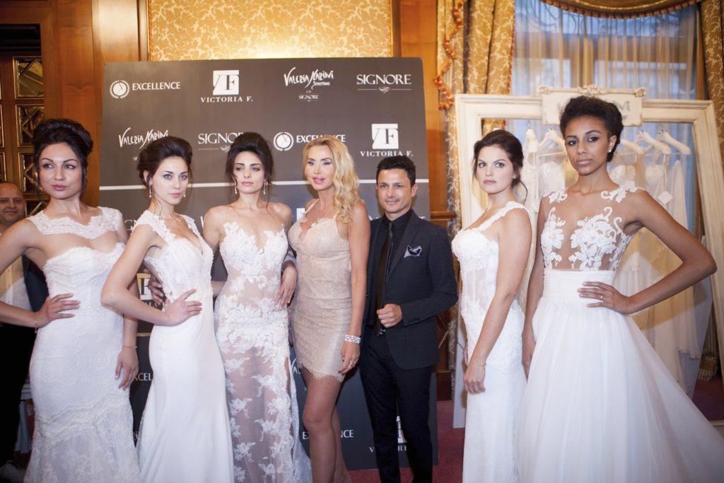 Valeria Marini e Gino Signore con le modelle