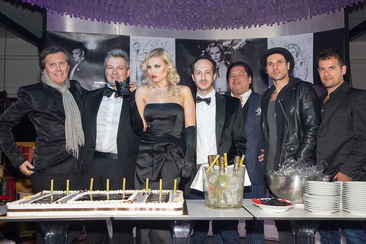 Vera Atyushkina Calendario.Hollywoodland 2018 Il Calendario Di Vera Atyushkina