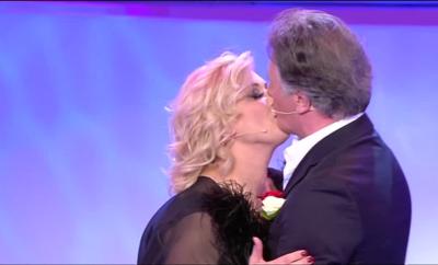 Tina Cipollari e Giorgio Manetti bacio