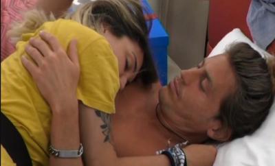 Alberto Mezzetti e Veronica Satti bacio