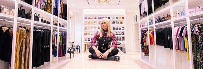 Guardaroba Di Paris Hilton.Il Guardaroba Da Sogno Di Donatella Versace Bollicine Vip