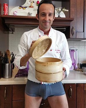 Marino Chef in mutande