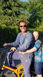 Antonio Zequila in Bici con la mamma