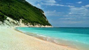 Guida alle splendide spiagge delle Marche Bollicine Vip