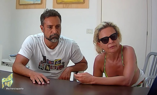 Pietro Delle Piane e Antonella Elia scherzo